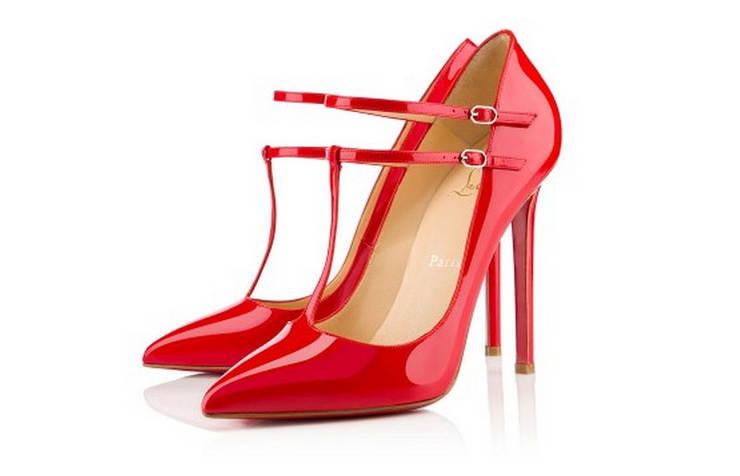 Красные женские туфли, лакированные на высоком каблуке