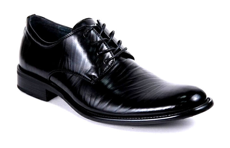 Мужские черные туфли на шнуровке