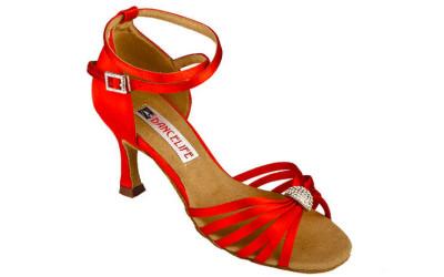Красные туфли для бальных танцев