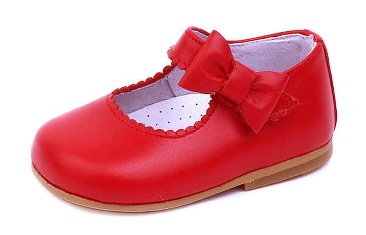 Красные туфли для девочки