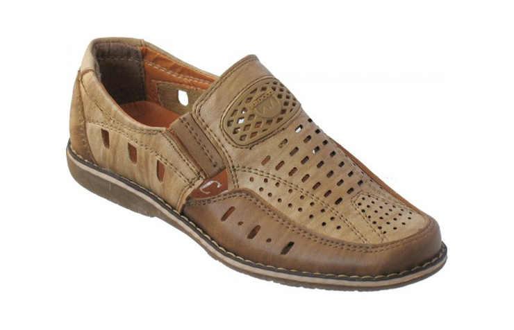 Коричневые школьные туфли