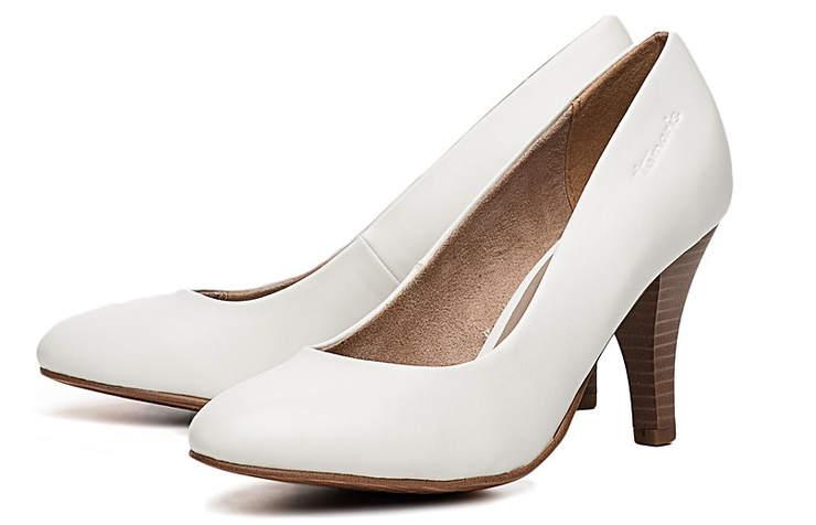 Классические белые туфли на среднем каблуке
