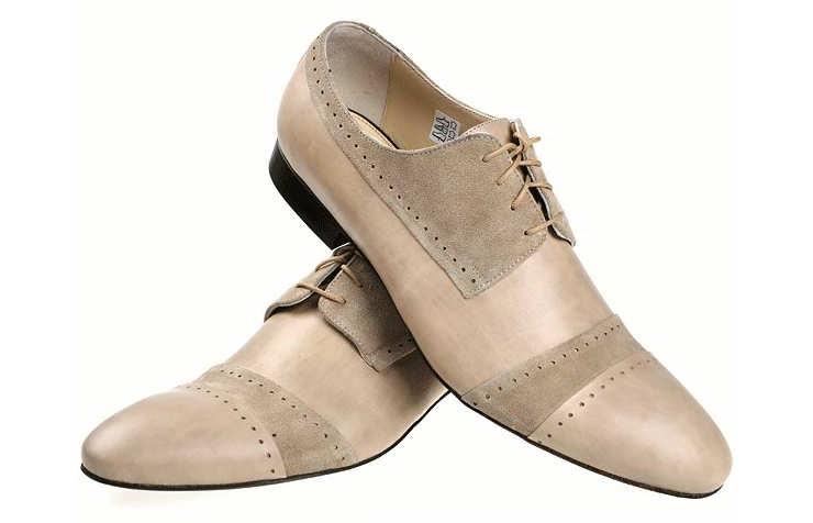 Бежевые туфли для мужчин со шнурками