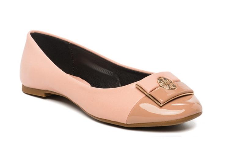 Туфли-балетки персикового цвета с лаковым мыском