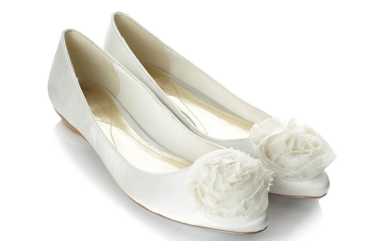 Свадебные туфли-балетки молочно-белого цвета