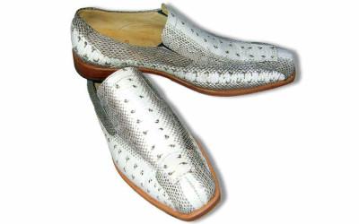 Серебряные туфли из кожи крокодила
