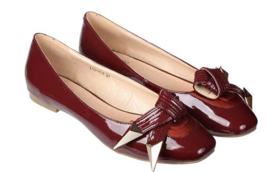 Бордовые туфли без каблука