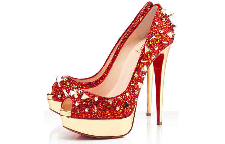 Красные новогодние туфли