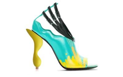 Яркие необычные туфли с ремешками