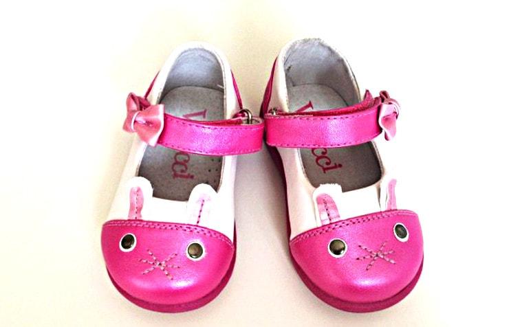 Розовые туфли для девочки с зайчиком