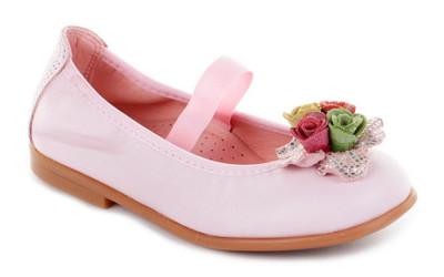 Розовые туфли с цветами для девочек