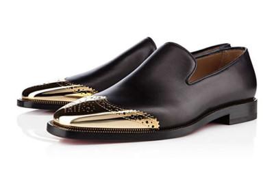 Черные туфли со вставками в виде крыла