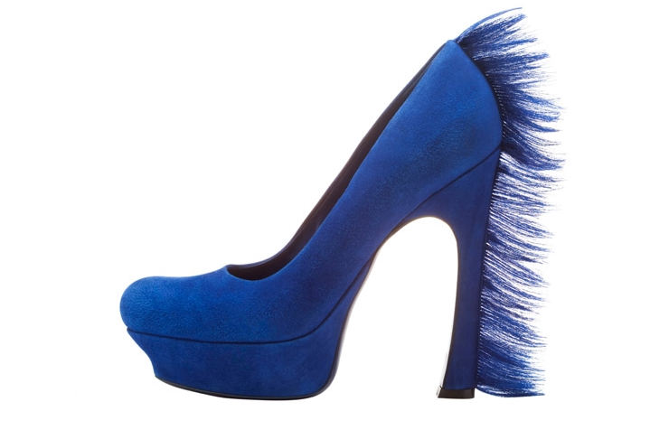 Синие туфли с меховым каблуком